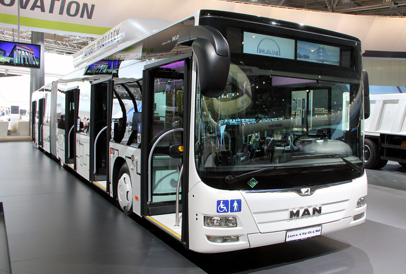 man city lion cng 2